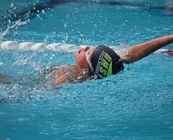 背泳ぎ スタート