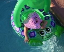 幼児 プール